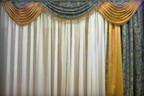 Комплект штор с ламбрекеном в гостиную
