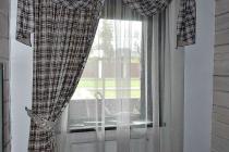 Комплект штор в комнату. Ламбрекен на петлях
